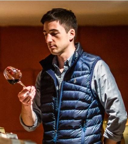 Thomas Mangin, producteur de vin, vigneron . Degustation vin